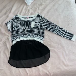 Sweater with flow  bottom